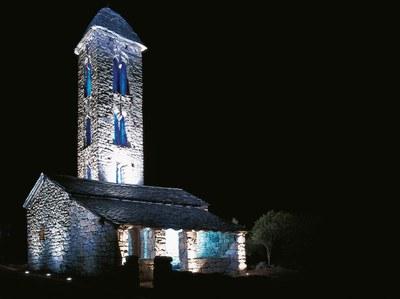 Iluminación de la capilla de Sant Miquel d'Engolasters