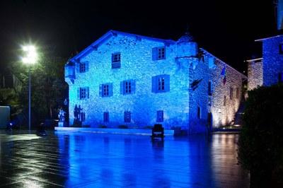 Iluminación exterior e interior de la Casa de la Vall